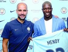 Benjamim Mendy foi contratado pelo Man. City por 57,5 milhões de euros
