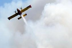 Avião de combate a fogos