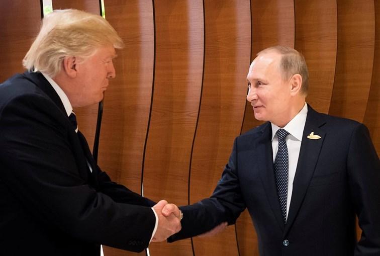 Trump e Putin reuniram sozinhos pela primeira vez