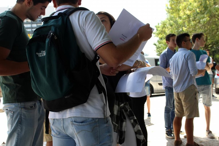Alunos do 9.º ano fazem provas no final do Ensino Básico