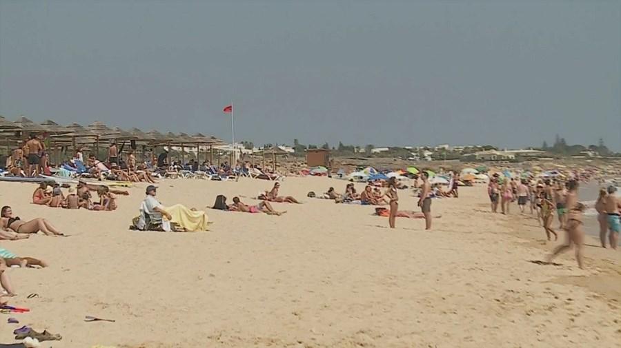 Praia de Albufeira, Salgados