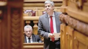 Dívida pública sobe 672 euros por segundo