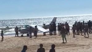 Vídeo mostra acidente com avioneta que fez aterragem de emergência