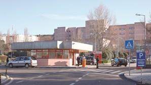 Bebé morre em hospital. Mãe transferida para Lisboa por falta de incubadoras