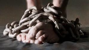 Detidas 24 pessoas na Albânia por suspeita de tráfico humano