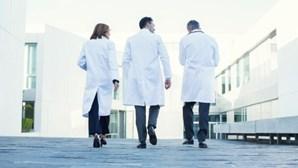 Contratação de médicos vai ser agilizada até ao final do ano