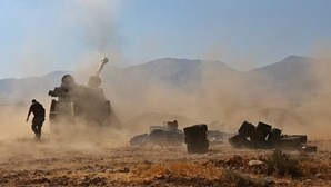 Cerca de 60 mortos em combates entre tropas e Estado Islâmico na Síria