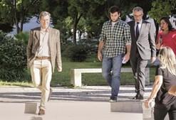 Conde de Almeida (à esquerda) dava instrução de navegação ao aluno Rui Relvas