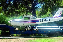 Investigadores vão fazer mais perícias à aeronave acidentada
