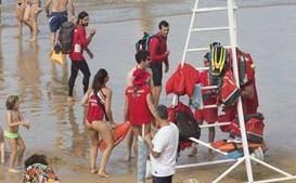Nadadoras-salvadoras algo de assédio