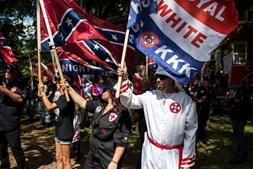 Líder do grupo KKK ameaçou queimar jornalista afroamericana