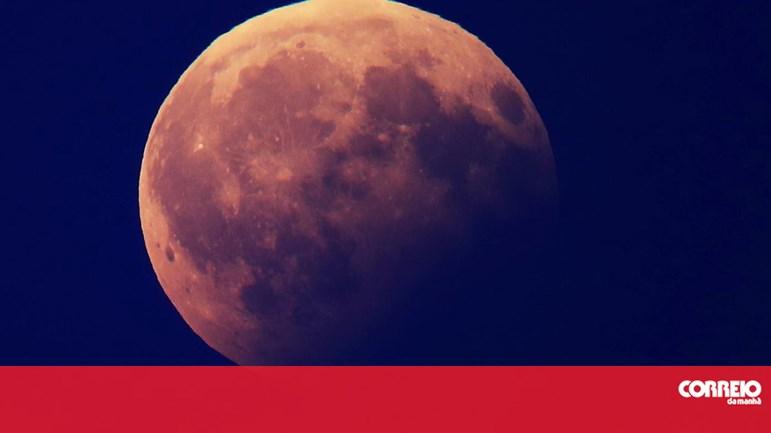 09934082c Eclipse total vai pôr a Lua vermelha esta sexta-feira - Cm ao Minuto -  Correio da Manhã