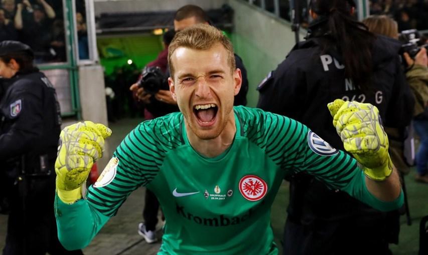Hrádecký, guarda-redes do Eintracht Frankfurt, está na mira do Benfica
