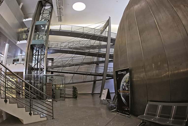 Planetário de Espinho convida visitantes a muitas experiências