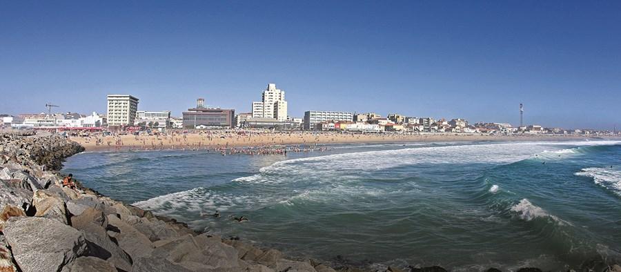 Praias da cidade atraem todos os anos milhares de visitantes