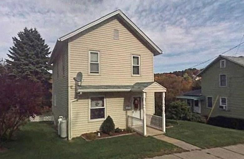 Casa do jovem casal onde terão sido feitas as filmagens dos atos sexuais entre Rachael Harris e o cão