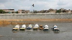 Fortes chuvas matam 15 pessoas no Paquistão