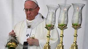 Papa recebe mulher de português raptado