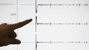 Sismo com magnitude de 5,9 volta a atingir um dia depois o centro da Grécia