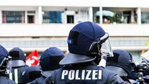 Polícia alemã interceta camião com 51 imigrantes ilegais numa autoestrada