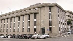 Prisão domiciliária para mulher que agrediu e esfaqueou casal em Braga