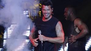 Ricky Martin desespera com irmão desaparecido após furacão