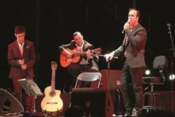 José Gonçalez e Sangre Ibérico atuaram no palco principal