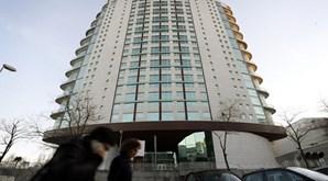 Pais de menina chinesa que morreu ao cair de 21.º andar estão a ser julgados