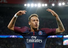 Neymar tem surgido cúmplice de Sara Sampaio