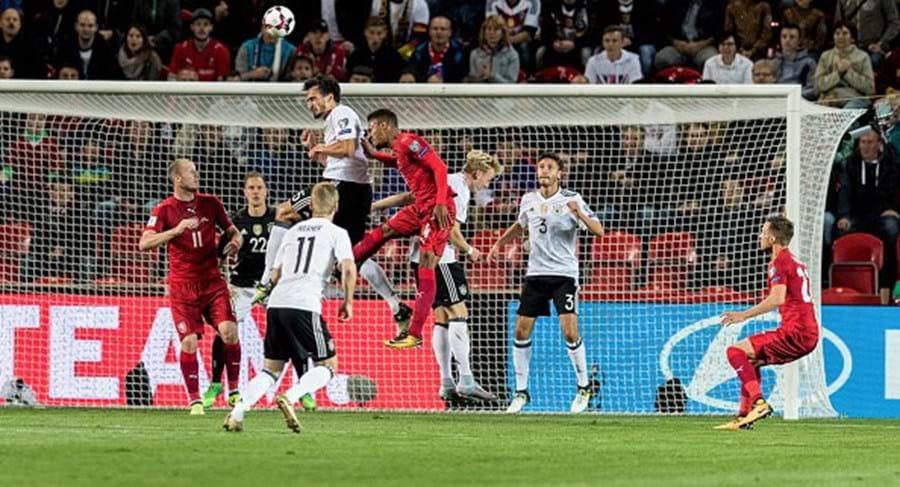 Seleção alemã frente República Checa