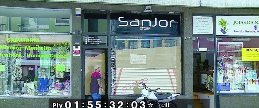 Loja está fechada desde o dia do assalto