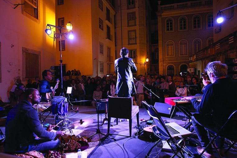 Diogo Clemente embalou o público com o seu fado