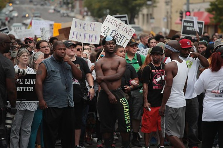Manifestações no Missouri