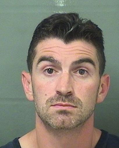 Tem sexo com o marido da filha e tenta atropelá-lo para esconder o caso