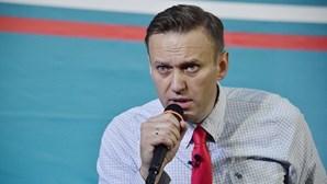 Médicos russos revelam causa do internamento do principal opositor de Putin