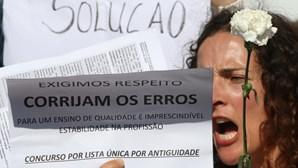 Professores protestam durante cerimónia do 5 de Outubro