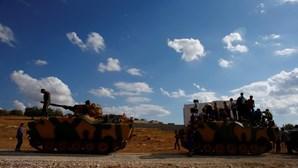 Grande contingente militar turco toma posições no norte da Síria