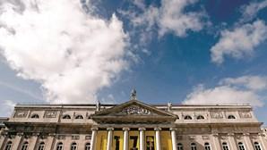 """Teatro Nacional D.Maria II reabre ao público este mês com a peça """"By Heart"""""""