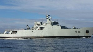 Navio da Marinha resgata 48 migrantes no Mediterrâneo