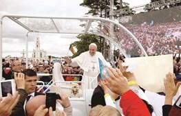 """A visita do Papa a Fátima fez """"disparar"""" as exportações de serviços no setor do turismo"""