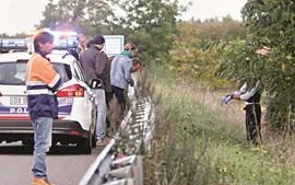 Polícia francesa esteve a fazer perícias no local do crime, uma berma da RN141, na zona de Bordéus