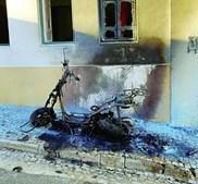 Motociclo incendiado por vingança
