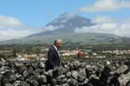 Marcelo Rebelo de Sousa durante a sua visita à ilha do Pico