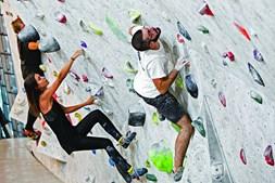Escalada no Vertigo Climbing, na Avenida Infante D. Henrique, em Lisboa