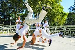Aula de capoeira no espaço Senzala, no Porto