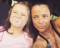 Andreia Leal e a filha Maria