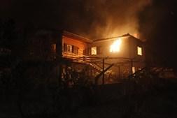 Incêndio ameaça habitações em Vila Nova de Poiares