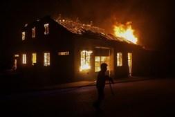 Incêndio atinge casas em Ponte Mocela, em Vila Nova de Poiares, Lousã