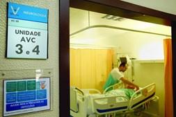 Unidade de AVC do Hospital Garcia de Orta, em Almada, recebe dois a três doentes por dia através da Via Verde
