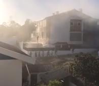Incêndio em casa fere criança e idosa em Corroios
